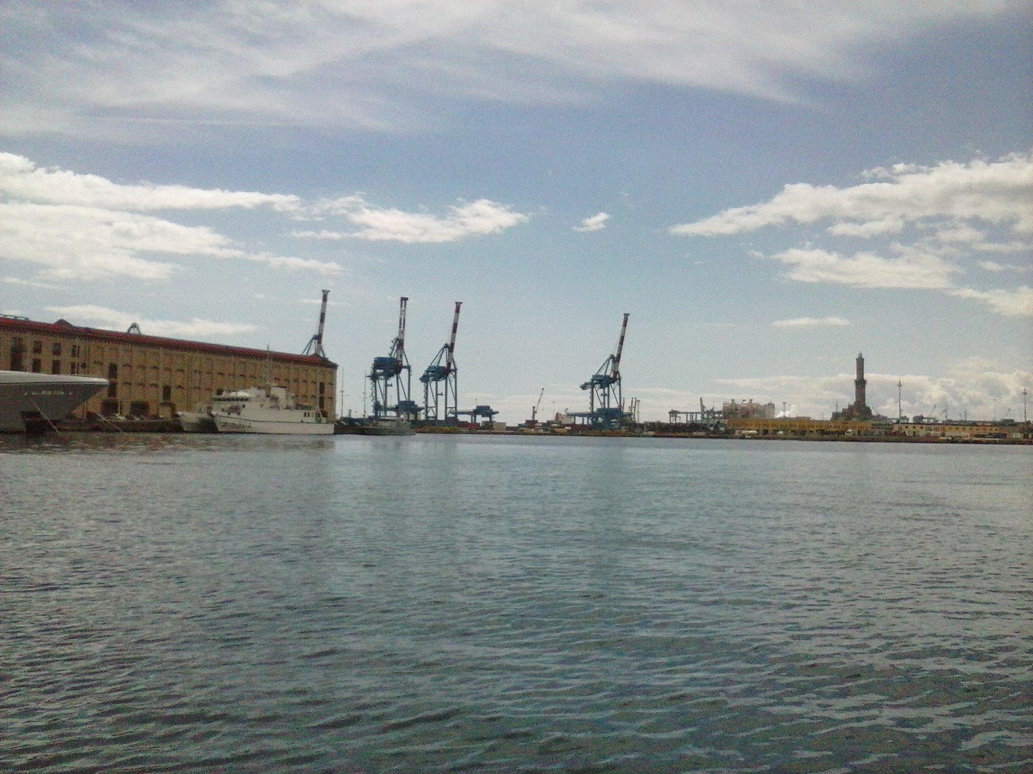 Vista Porto di Genova - 24-05-2015-10