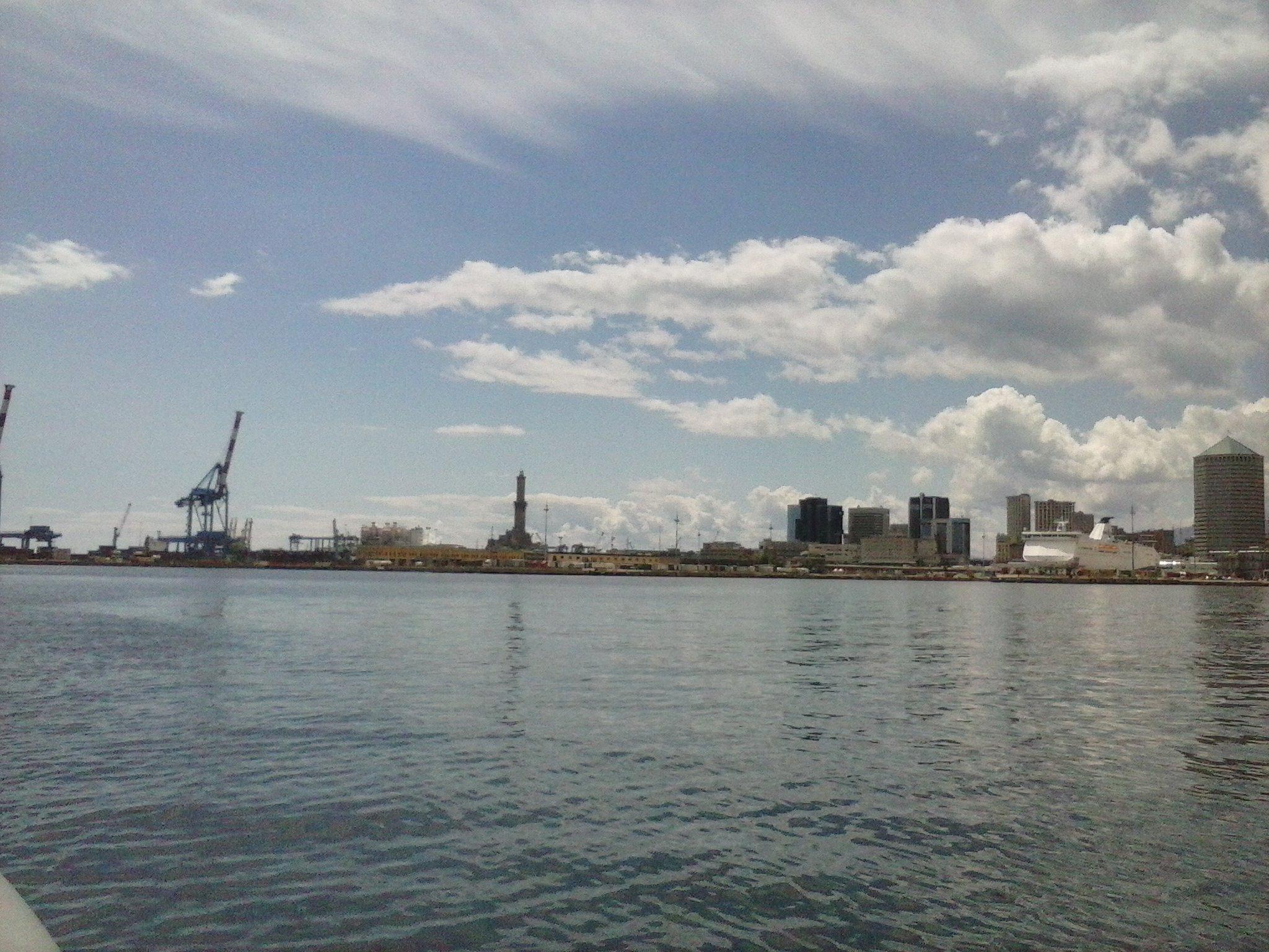 Vista Porto di Genova - 24-05-2015-07